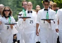 Waiters race