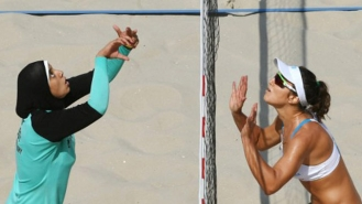 498567-afp-egypt-beach-volleyball